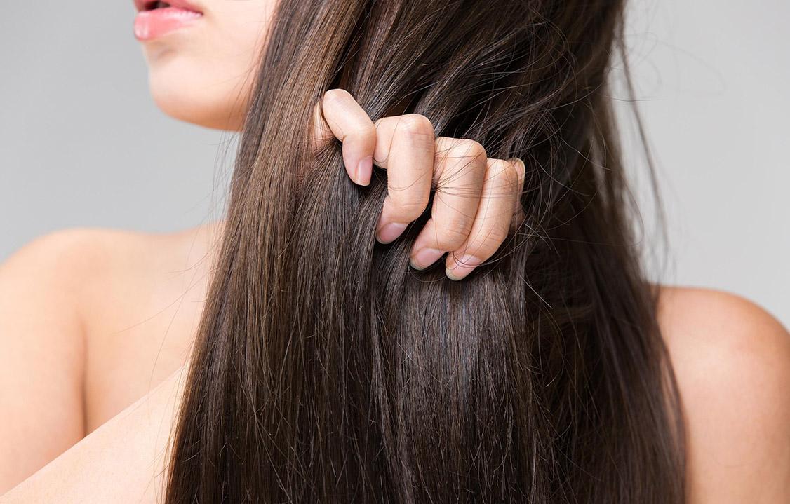 Jak rozwiązać problem łamliwych włosów?