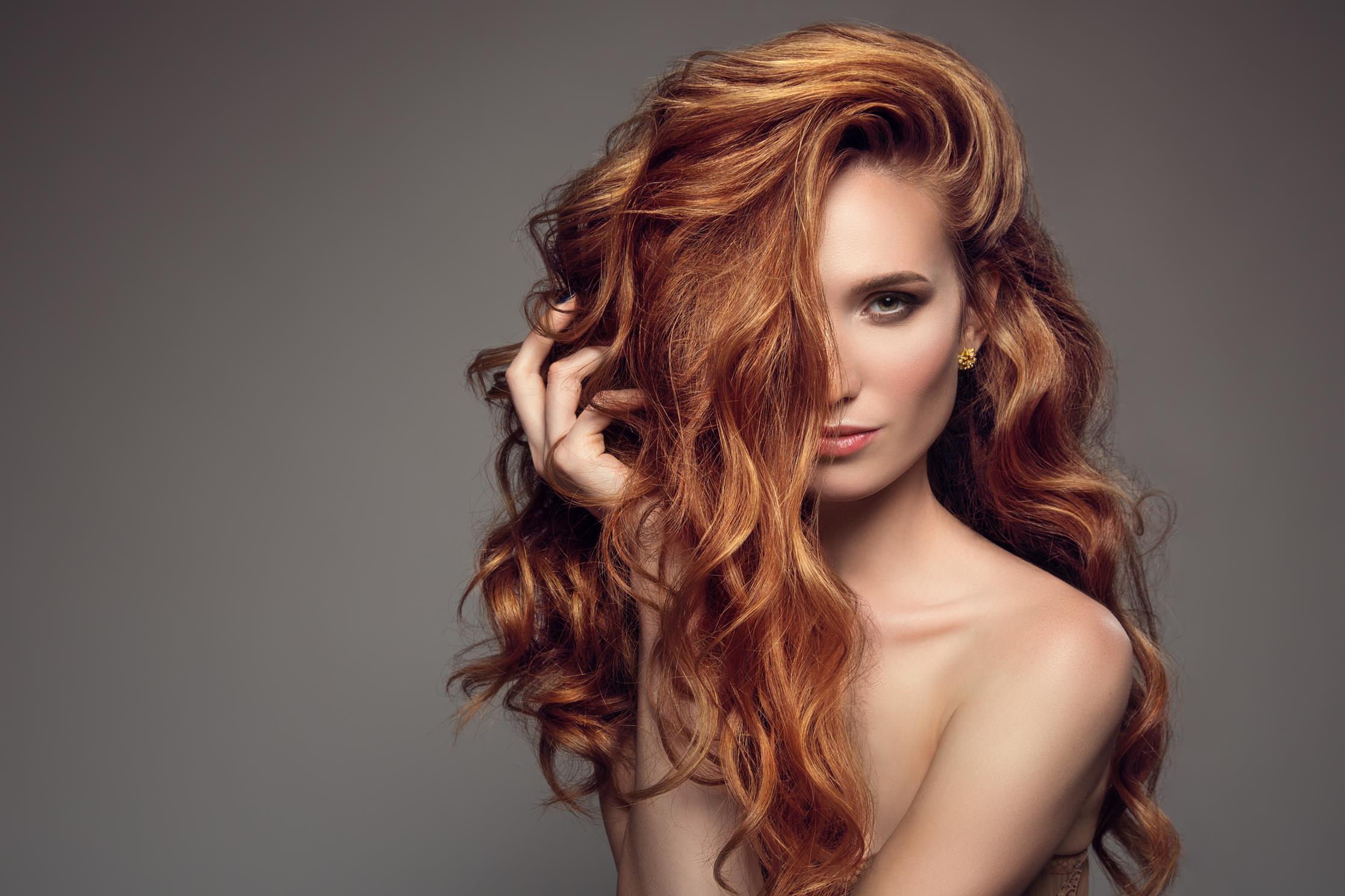 Nadaj swoim włosom objętość!