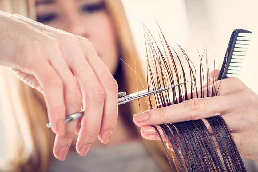 Czym różni się stylista fryzur od fryzjera?