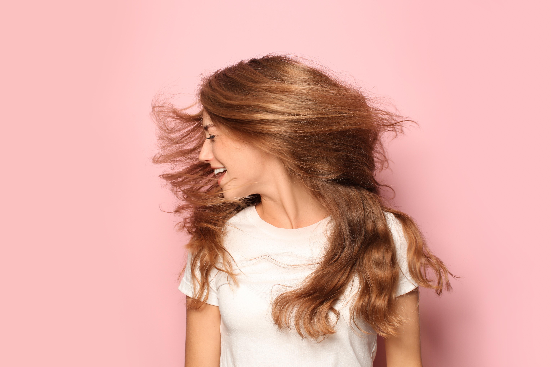 Poznaj sprawdzone 3 sposoby na naturalny wygląd peruki
